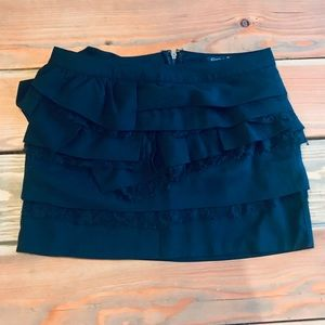 Black mini skirt-like new!